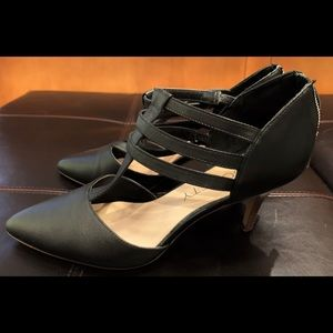 Sole Society Black Leather Kitten Heel